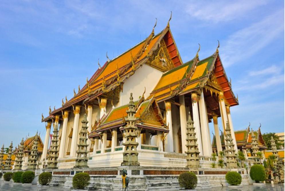 ואט סותאט הוא אחד העתיקים והיפים ביותר במקדשים הבודהיסטיים של בנגקוק