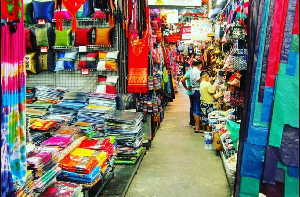 שוק Chatuchak Market Bangkok marketplace